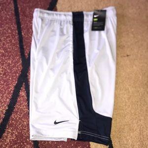 Boys Nike shorts youth XL NWT